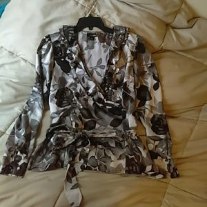 Lovely grey/silver floral blouse